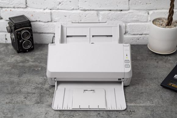 Máy scan Fujitsu – Trợ thủ đắc lực cho cô nàng văn phòng hiện đại